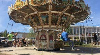Hire a swing ride for your event, party or wedding!